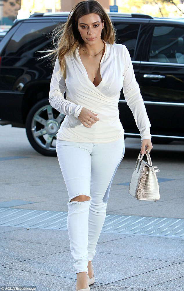 Trend Report: White Pants - Lauren Cecchi New York